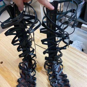 Steve Madden black Hercules/Gladiator Sandals